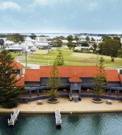 Mariners Cove Motel & Apartments